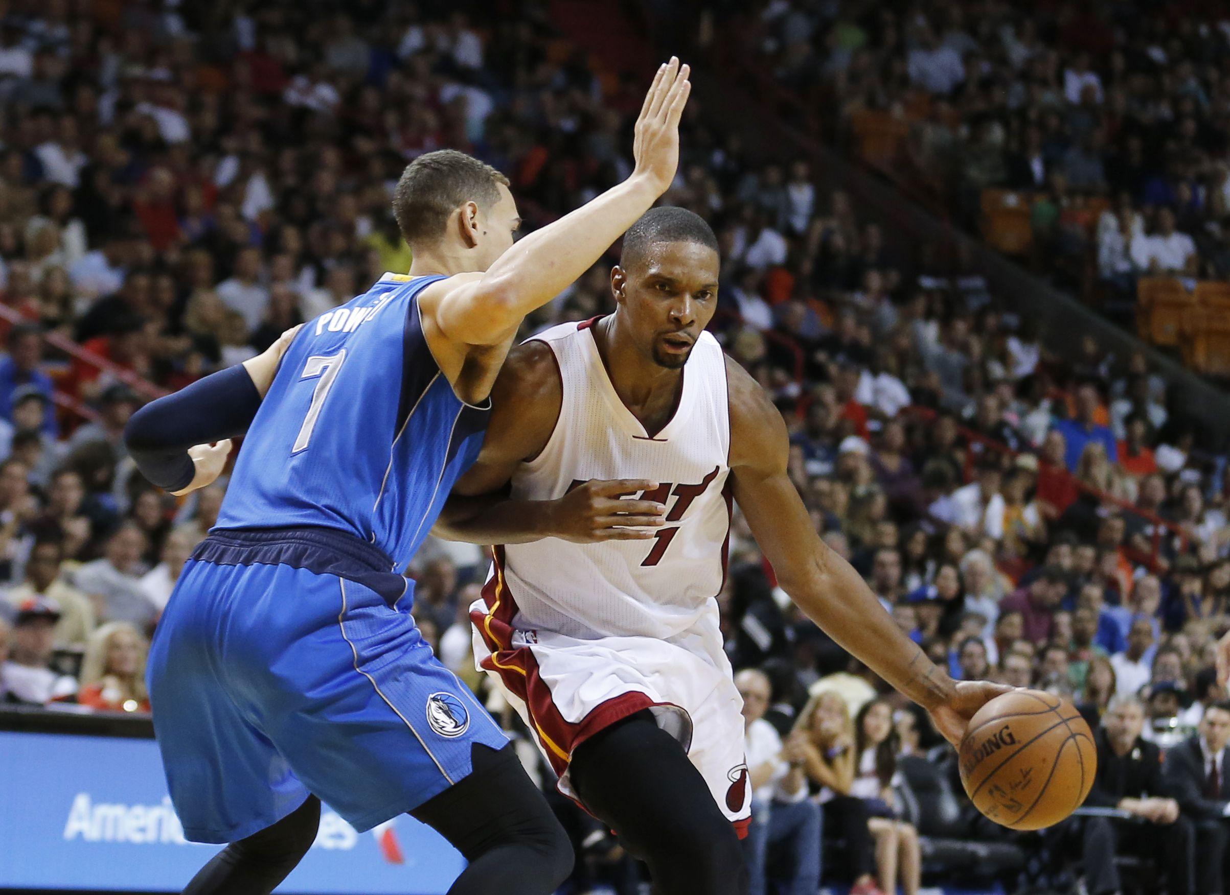 Miami Heat vence a Mavericks con gran acción de Whiteside