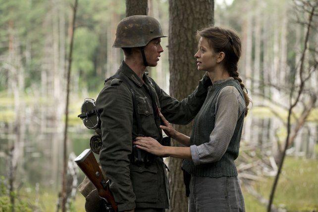 De novela. Walter y Wanda se enamoran en medio de la guerra de 1944.