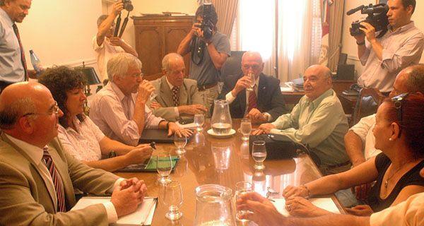 Después del tarifazo, Maguid pide paritarias para mejorar los salarios de Upcn