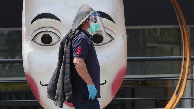 Ecuador tiene 2.300 muertes por coronavirus y otros 1.500 fallecimientos que pueden estar asociados