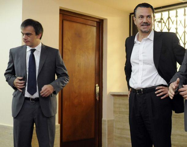 Los ministros Lewis y Galassu hablaron sobre la polémica por la causa Medina. (Foto: C. Mutti Lovera)