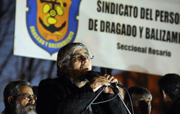 En Rosario. El camionero reinauguró la sede del Sindicato de Dragado.