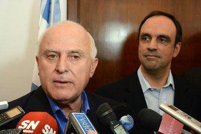 El gobernador salió a respaldar al concejal rosarino y el jefe de la UCR le advirtió que está mal informado