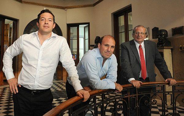 Gonzalo Belloso (centro)
