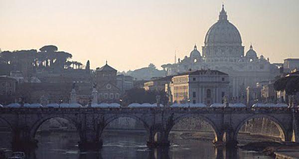 Roma transita con temor y cautela la jornada del anunciado terremoto