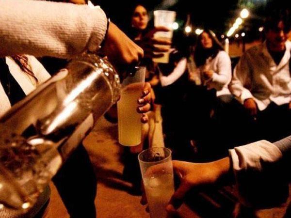 La ingesta de alcohol se produce generalmente antes del ingreso al boliche.