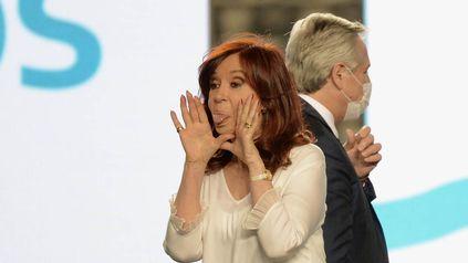 """Gestualidad. Cristina, en su carta, le exigió al presidente que """"honre la voluntad del pueblo argentino""""."""