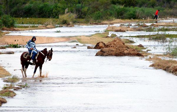 El Paraná llegó al borde de las defensas costeras. El pico de la crecida se espera para el 31 de este mes.