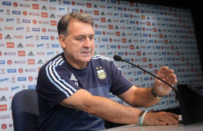 El Tata indicó que el hecho de que la fecha se juegue obliga a los jugadores a tomar una decisión difícil.