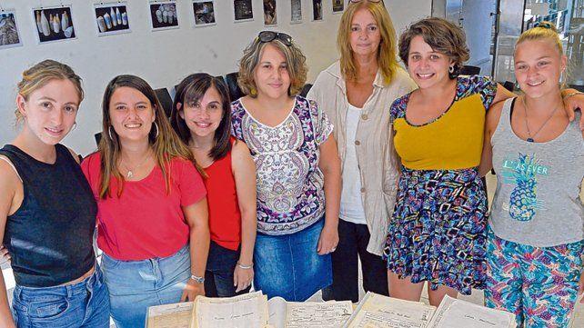 Parte del conjunto de colaboradores del programa de preservación de la facultad.