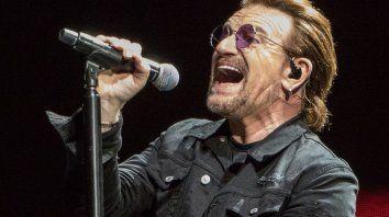 Bono, líder y vocalista de U2, interpretará a Clay Calloway, un león que fue una legendaria estrella de rock pero que vive aislado tras la dramática muerte de su esposa.