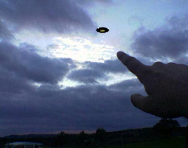 Afirman que hay expedientes de la Marina y la Fuerza Aérea sobre el fenómeno ovni.