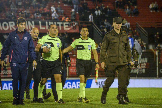 Fernando Espinoza, el árbitro para el regreso de Patronato al Grella