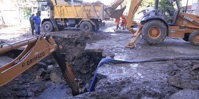 Explotó un acueducto y 250 mil rosarinos se quedaron sin agua