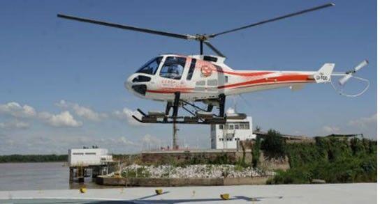 El helicóptero de la Cooperativa de Portuarios participó en la búsqueda. (Foto gentileza SL24.com)