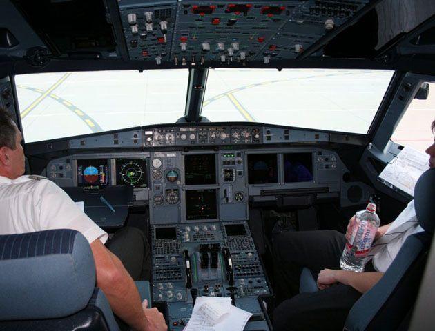 En el avión que se estrelló en los Alpes de Francia viajaban 150 personas.