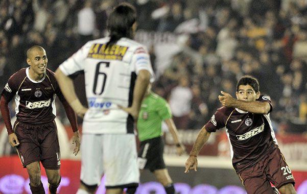 Euforia. Romero empieza a celebrar el gol que le dio la victoria al Granate.