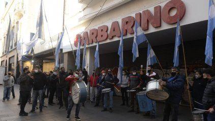 Malestar de los empleados de Garbarino: No queremos perder los puestos de trabajo