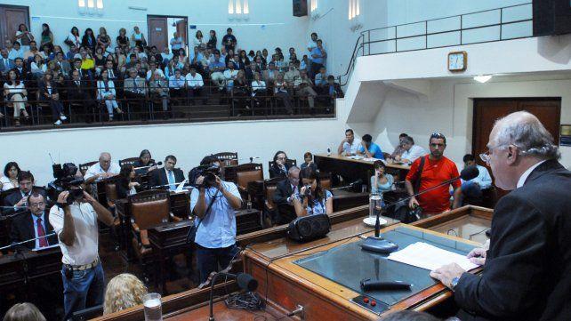 El intendente abre las sesiones ordinarias en el Concejo Municipal de Rosario el 6 de marzo de 2008.
