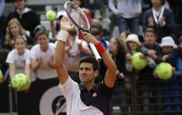 Le molesta. Djokovic volvió al circuito con la mira en Roland Garros pero dijo que no se sintió bien en la superficie.