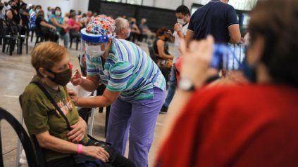 LA RURAL. La campaña en Rosario abarcó gran parte de la población mayor de 70 años.