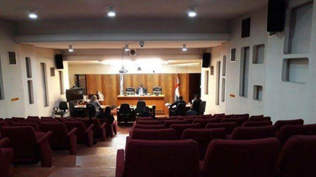 Audiencia. En los tribunales de Venado Tuerto se realizó la imputación al abusador de la hijastra.