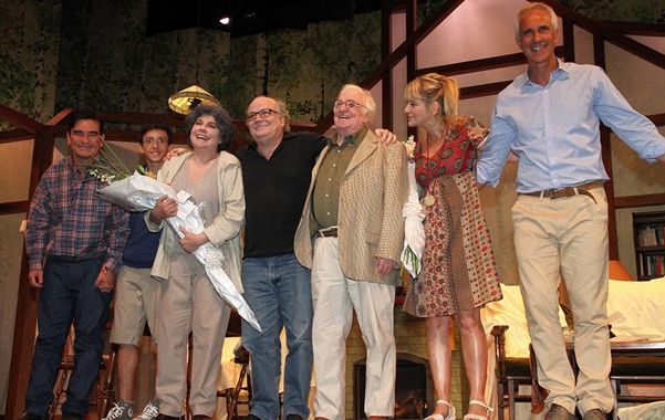 De lujo. Soriano y la española Charo López (centro)