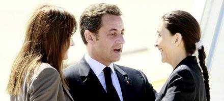 Ingrid Betancourt llegó a Francia y fue recibida como una heroína