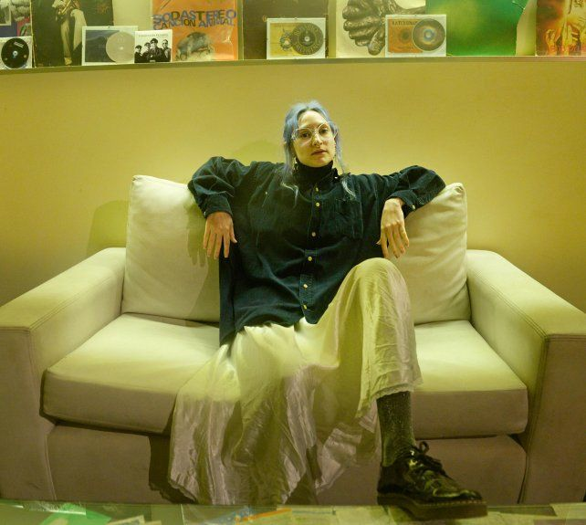 Amelia Sagarduy en uno de los sillones de 312 Estudio