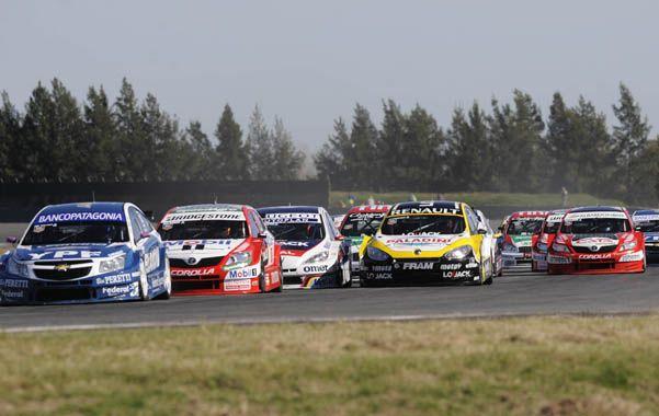 A fondo. El Súper TC2000 deberá seguir corriendo en el autódromo.