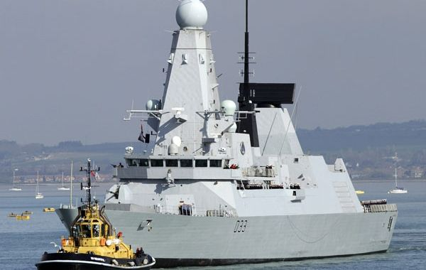 El destructor HMS Dauntles es uno de los barcos más poderosos y modernos de la flota británica que visita el Atlántico Sur.