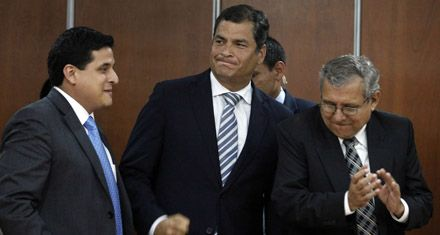 Correa gana la batalla judicial contra un diario crítico de su gobierno