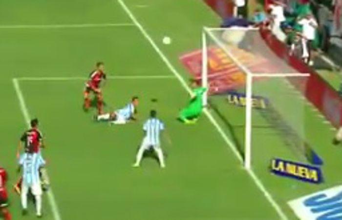 El lateral Insúa marcó su primer gol con la casaca rojinegra.