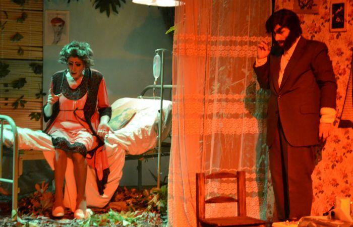 """""""Caperucita..."""".  La puesta de la rosarina Carla Saccani cerró la muestra."""
