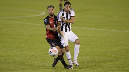 Newells ya se mide con Libertad en un duelo clave para su futuro en la Sudamericana
