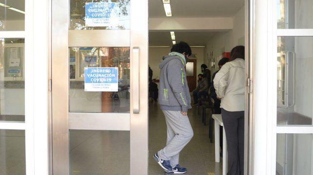 En Rosario también avanza la vacunación a menores.