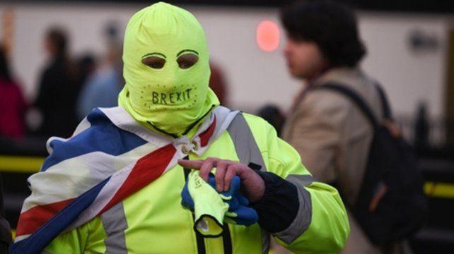 traición del brexit. Miles de ciudadanos británicos protestaron frente al Parlamento el 29 de marzo.