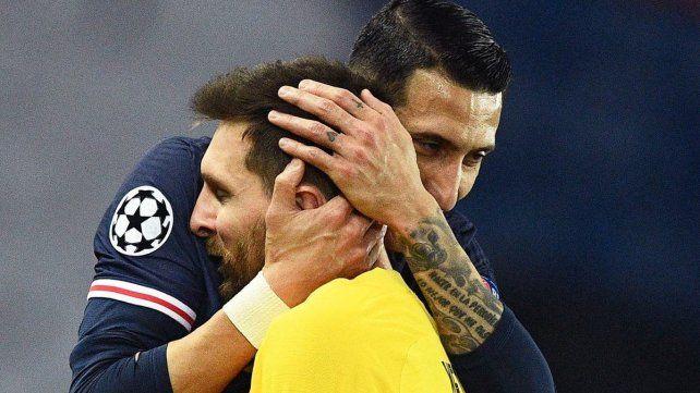 Amigos. Messi y Di María se conocen desde hace muchos años y ahora serán compañeros en PSG.