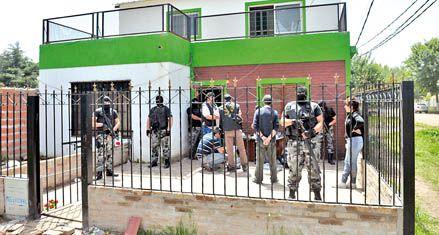 Cinco detenidos y 8 kilos de drogas secuestrados en el cordón industrial