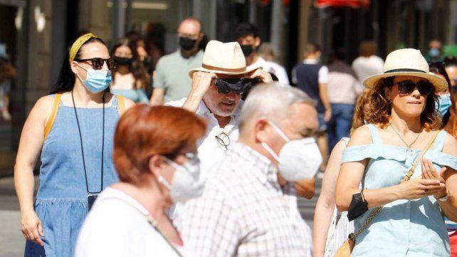 Tres de cada diez españoles ya están vacunados con dos dosis contra el coronavirus