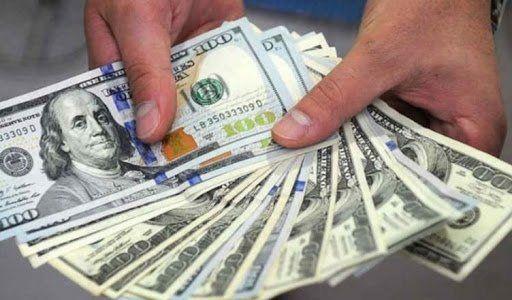 El dólar blue volvió a moverse y subió 5% en lo que va de julio.