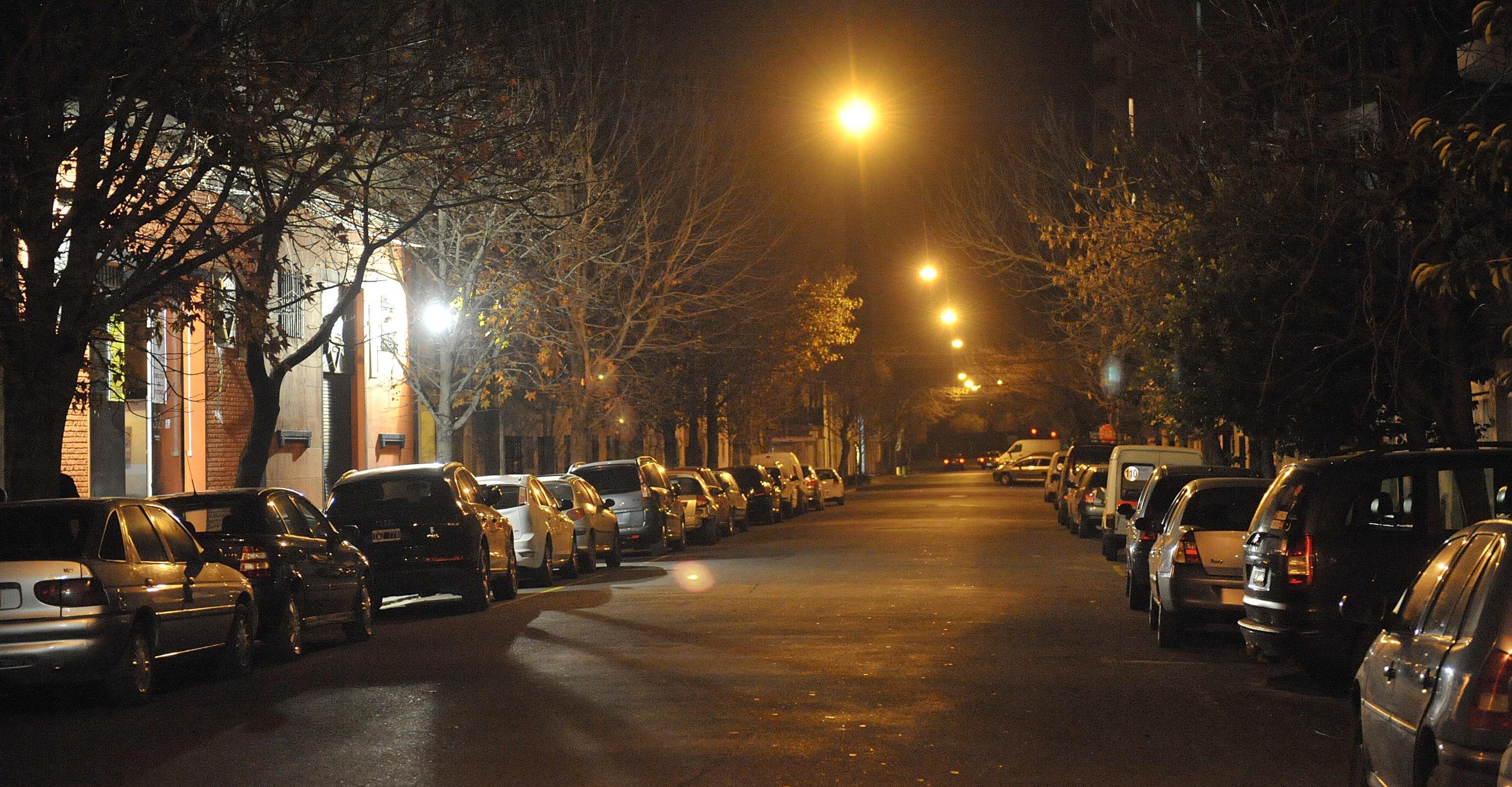 Pionera. La zona de Pichincha fue la primera en la que se autorizó el estacionamiento sobre ambas manos para dar fluidez al corredor gastronómico.
