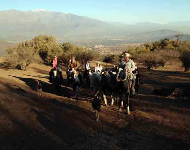 A caballo por senderos montañosos