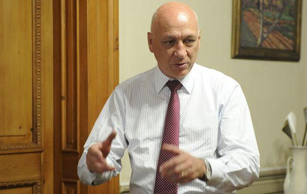 Fechas. Bonfatti definió las primarias para el segundo domingo de agosto y las generales para el 27 de octubre.