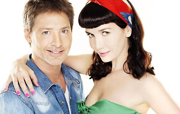 Natalia Oreiro encarna a una peluquera y Adrián Suar a un músico divorciado.