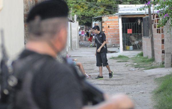 Pasillo mortal. El homicidio ocurrió ayer a la tarde en Garibaldi al 200. (Foto: E. Rodríguez)