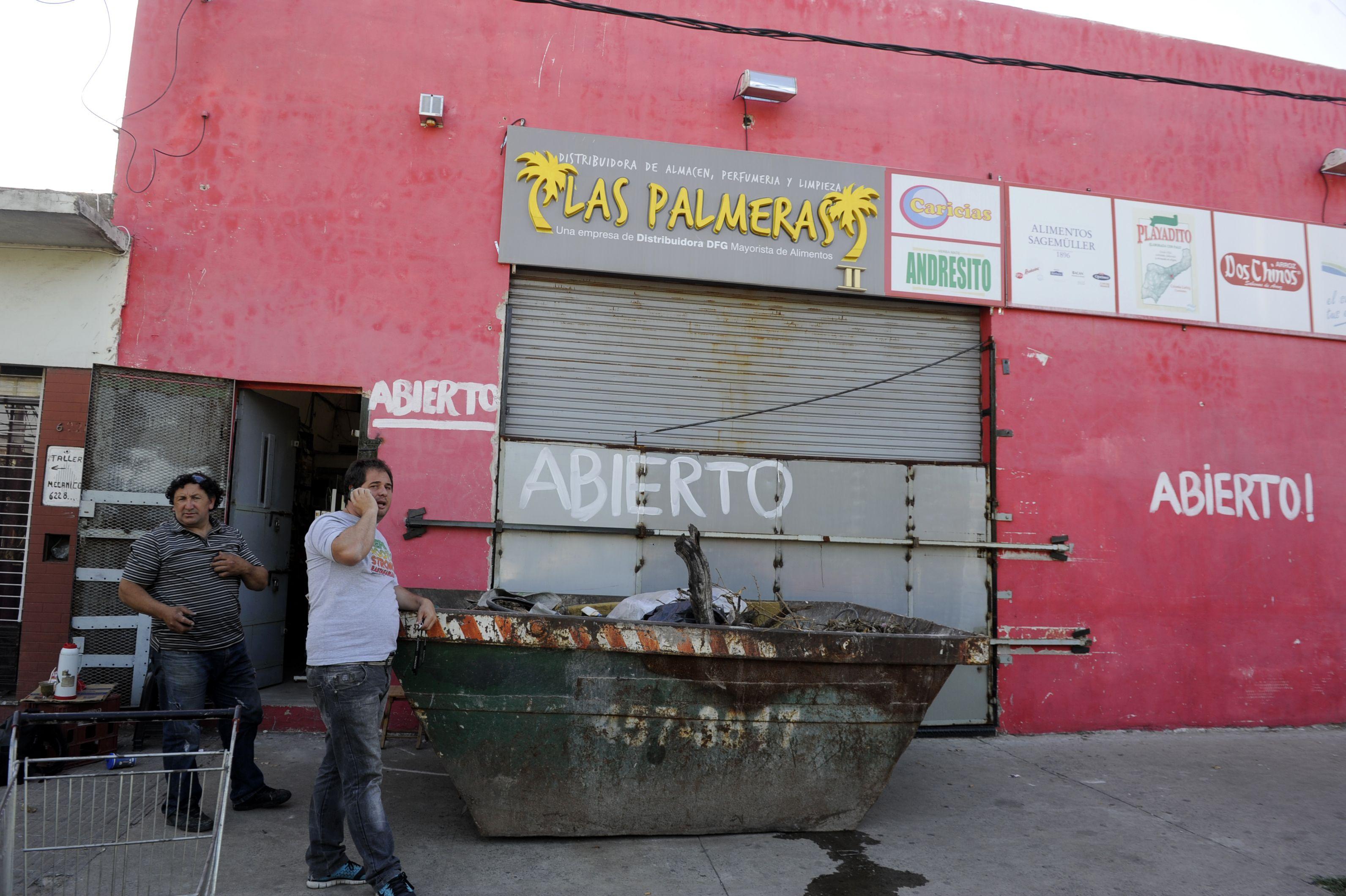 Ayacucho al 6100. Un volquete para resguardar al súper