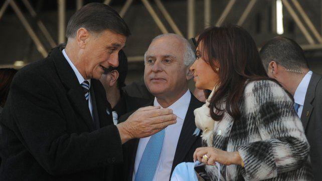 Binner, Cristina Fernández y Lifschitz en el acto por el Día de la Bandera el 20 de junio de 2010 en el Monumento.