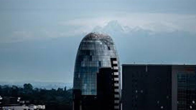 Cuarentena. El Monte Kenia se hizo visible desde Nairobi debido a que bajaron los niveles de polución luego de que se establecieran medidas de aislamiento.