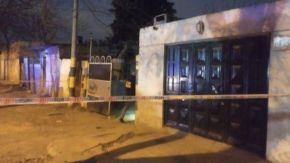 Asesinaron a un hombre en una balacera contra una casa en zona oeste
